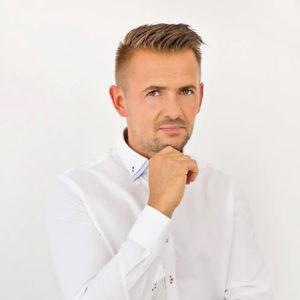 Mgr Wojciech Drobiński